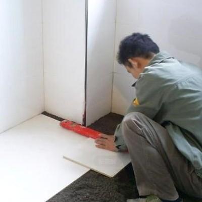 并且墙砖和地砖的温度要和室内温度差不多再开始